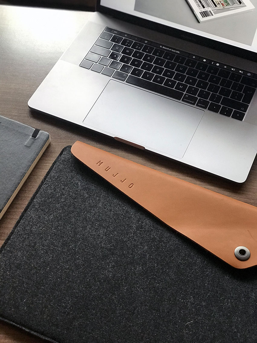 Mujjo designer laptop case review by The Homeworker