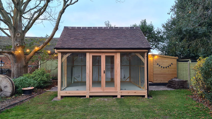 garden office ideas - The Scott garden office kit by Mitre Oak